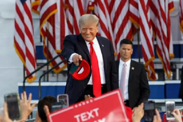 Donald Trump, de presidente a comentarista y presentador de box