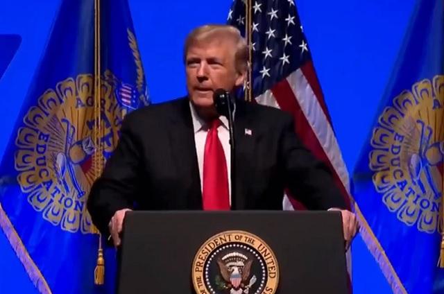 Trump acusa que México habla mucho y no hace nada contra la migración