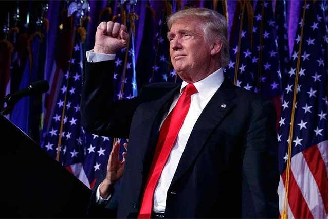 Trump celebra que la Corte apruebe parcialmente su veto migratorio