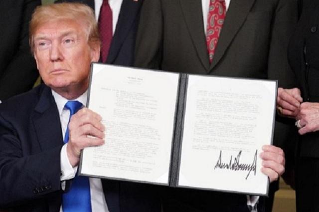 Trump aplica aranceles de 25% a productos tecnológicos chinos
