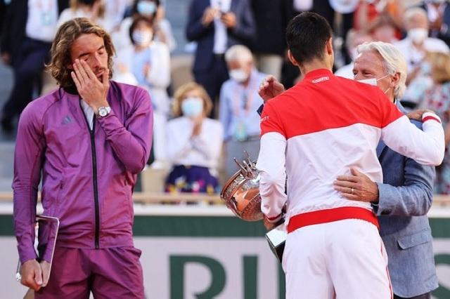 Tsitsipás se enteró de muerte de familiar minutos antes de la final en Roland Garros