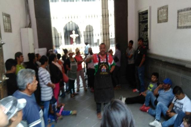 Antorcha Campesina bloquea el TSJ  y exige liberar a militantes