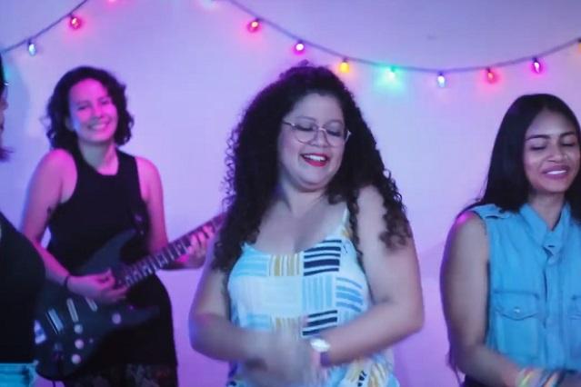 Video: Crean versión feminista de Tusa y causa sensación en redes sociales