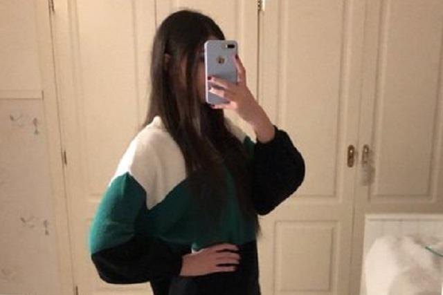 Foto en Twitter de  chica con piernas delgadas engaña por efecto visual