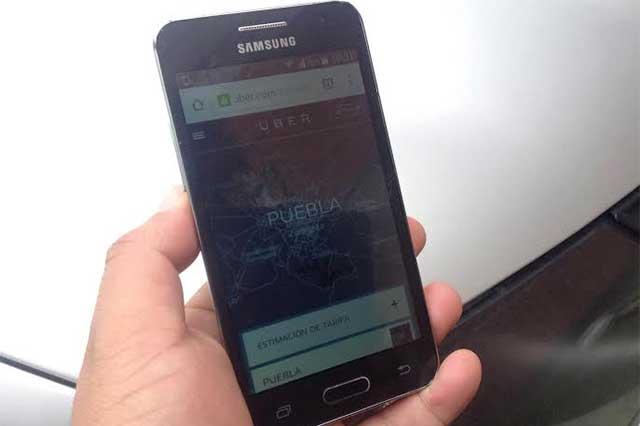 Choferes de Uber organizan paro contra baja en tarifas