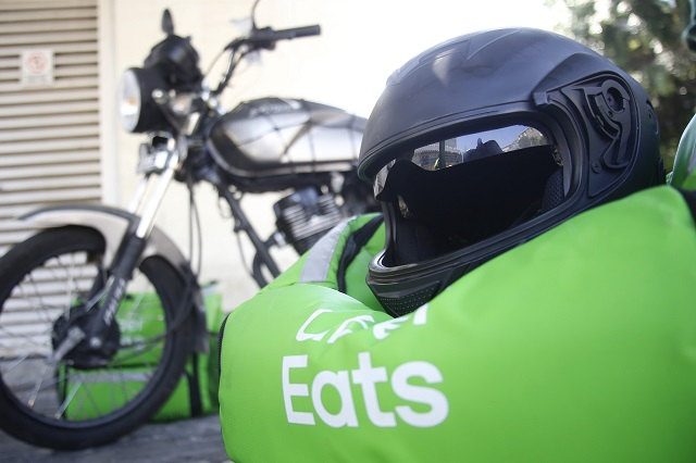 Uber busca comprar Postmates para reforzar su negocio de comida a domicilio