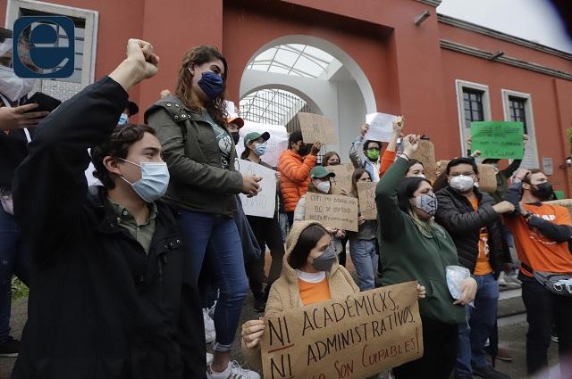 Piden alumnos de la UDLAP liberar sus instalaciones