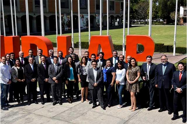Reúne Udlap a firmas líderes en tecnología y telecomunicaciones