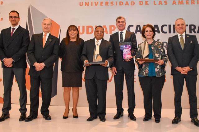 UDLAP-CANACINTRA entregan galardón a empresas en Puebla