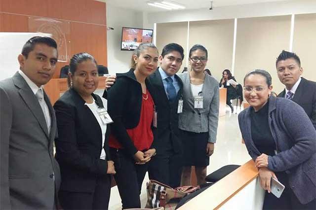 Estudiantes de UMAD destacan en concurso de litigación oral