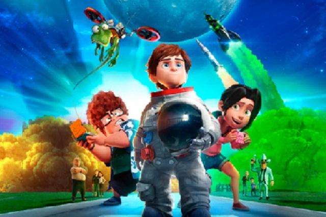 """Cine """"Una familia espacial"""" en el CCU, domingo 30 de junio 15:00 y 17:00 hrs."""