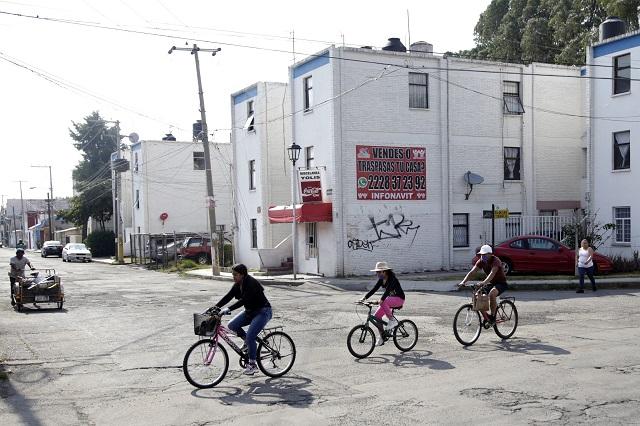 Planean cerrar áreas comunes en unidades habitacionales de Puebla