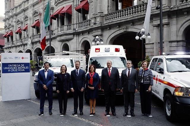 El Ayuntamiento de Puebla dona 3 unidades equipadas a la Cruz Roja