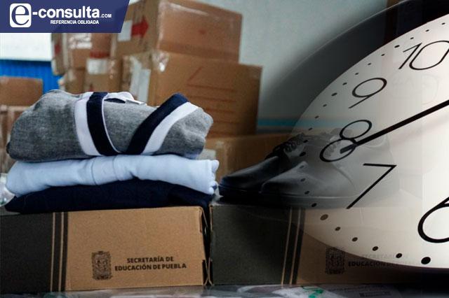 Aún no se reparten uniformes escolares comprados en Puebla