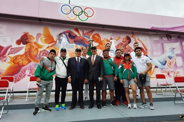 COM presenta uniformes para la delegación mexicana que acudirá a Tokio
