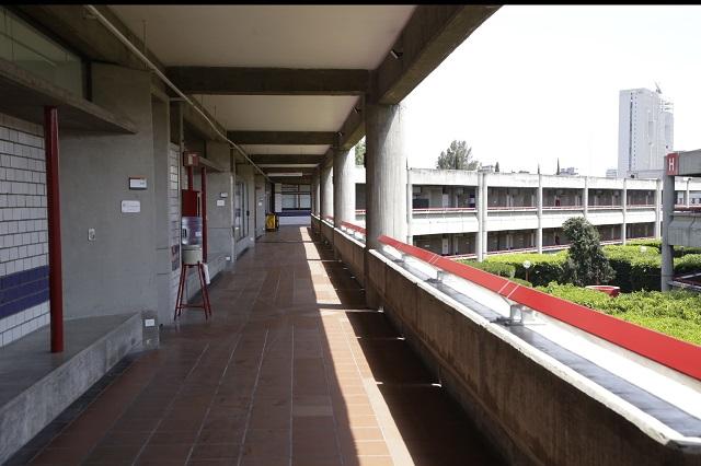 Protesta de universidades es cortina de humo: Barbosa