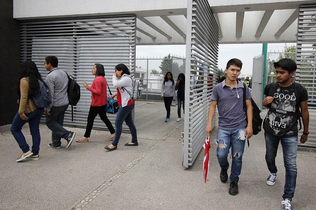 Con estudios universitarios sólo 26.8 % de jóvenes poblanos: Inegi