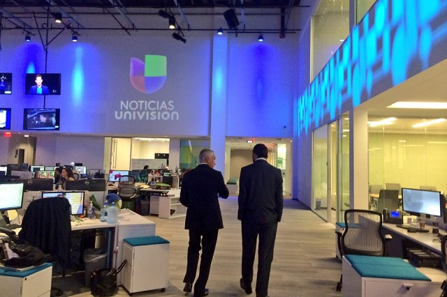 ¿Tiembla TV Azteca? Univisión prepara alianza con Televisa