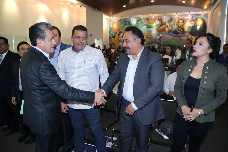 Encabeza Carrasco encuentro con ediles para protección de migrantes