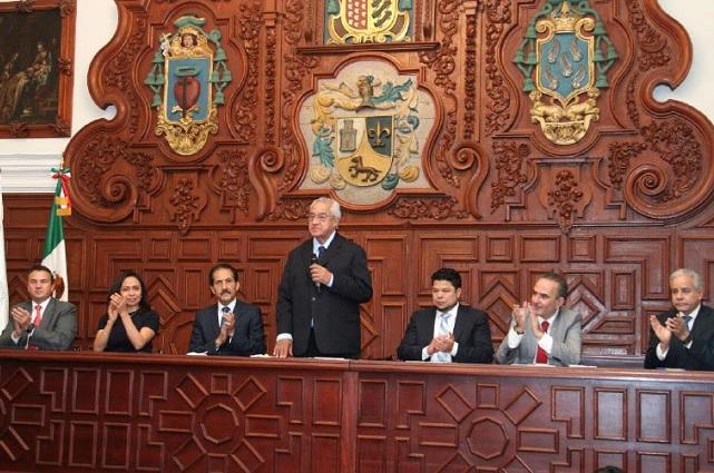 Destaca gobernador unidad de BUAP con Ejecutivo y Legislativo