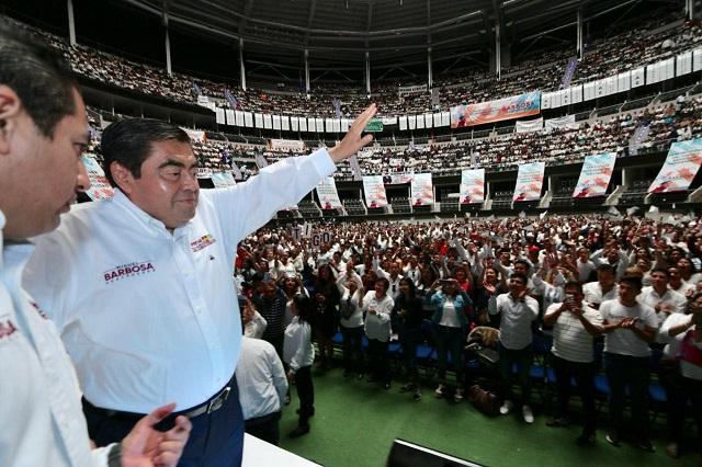 Ofrecen a un maestro para futuro secretario de Educación en Puebla