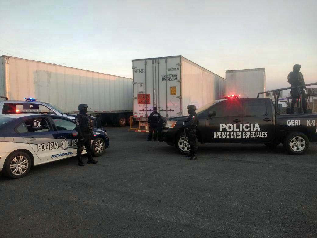 Recuperan en San Pedro Cholula tractocamión robado