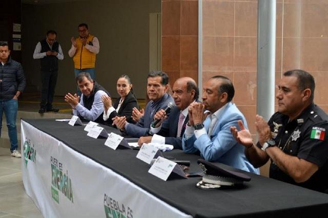 Presentan playera y medalla de la carrera Puebla es Energía 10 k
