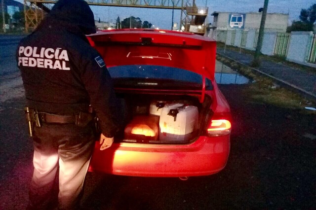 Detectan en Tepeaca a otro taxi de Uber con gasolina robada