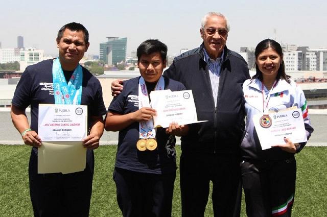 Reconocimiento de Pacheco Pulido para jóvenes atletas poblanos