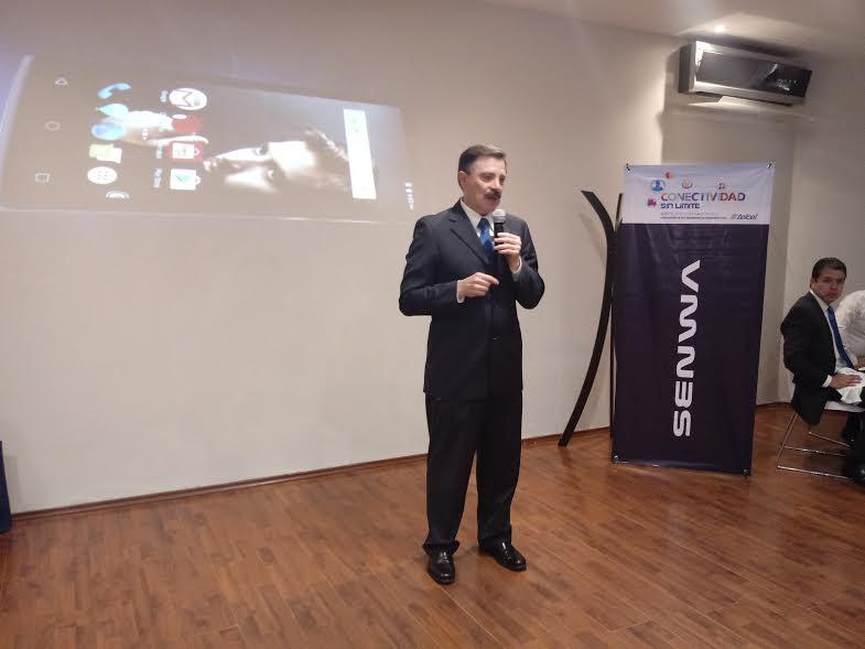 Presentan en Puebla smartphone de alta tecnología y precio accesible