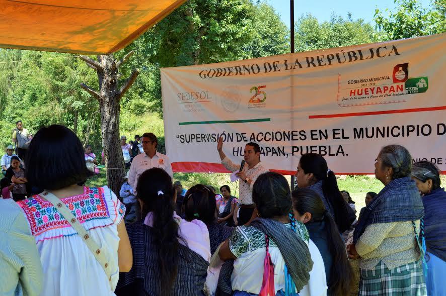 En Hueyapan, acciones SEDESOL beneficiaron a 9 mil familias: Vega