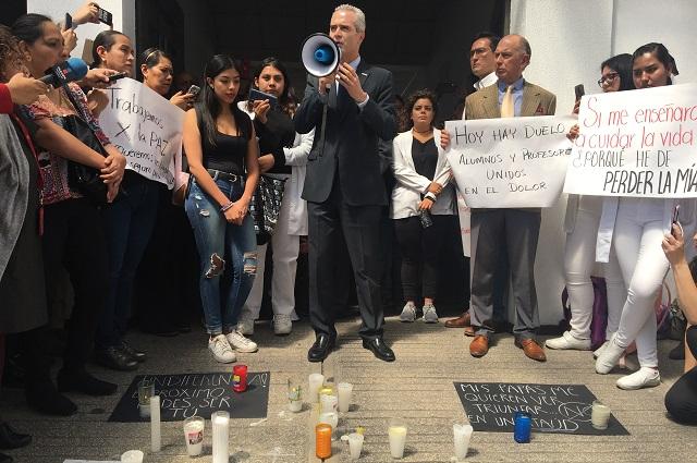Exige rector de UPAEP justicia a un mes de asesinato de 4 jóvenes