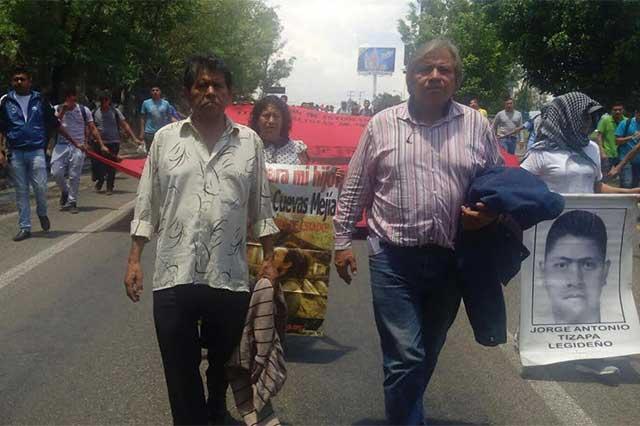 Tras persecución, detienen a 24 normalistas en Aguascalientes