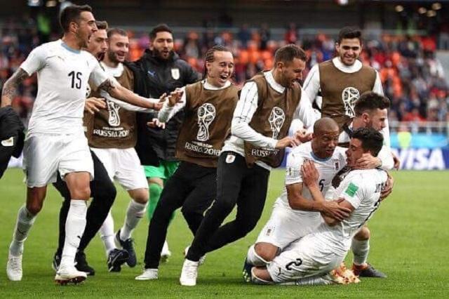 Con agónico gol, Uruguay dobla a Egipto que extrañó a Mohamed Salah