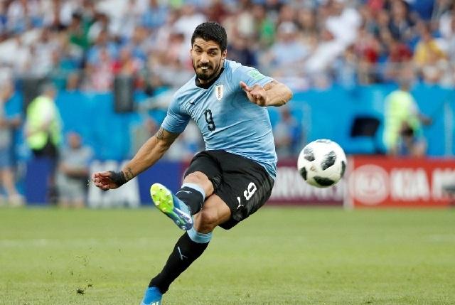 Luis Suárez anota solitario gol y Uruguay está en octavos de final