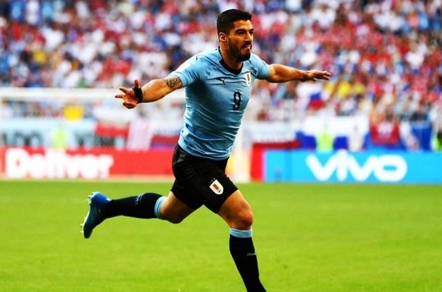 Uruguay apaga cañones rusos y les propina dolorosa derrota 3-0
