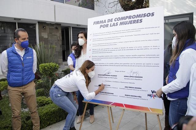 Candidatos firman compromisos con los derechos de las mujeres