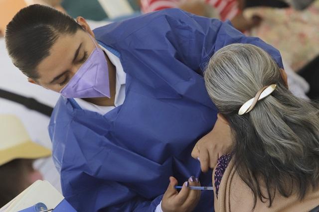 Mueren de Covid 6 personas que  tenían primera dosis, en Puebla