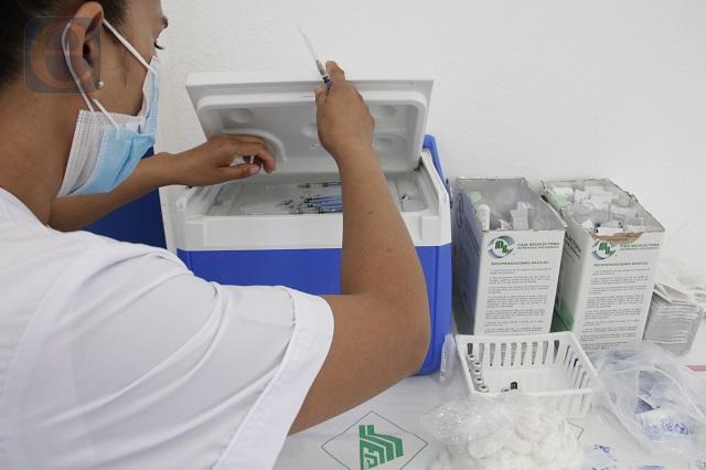 Reportan 363 nuevos contagios covid y 52 decesos, en Puebla