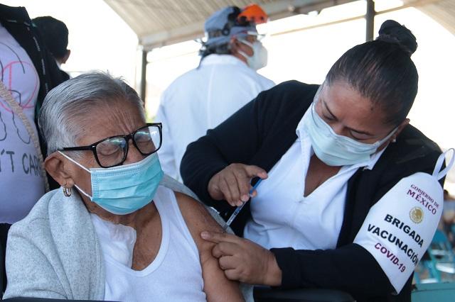 Se vacuna diario a más de medio millón de personas: López Gatell