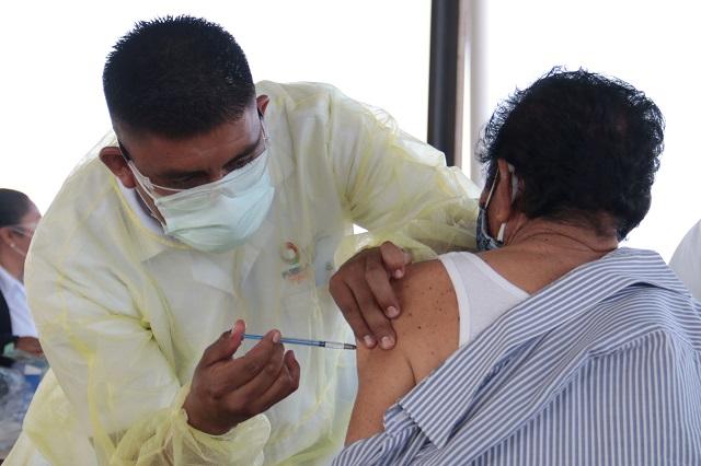 Tres personas intentaron burlar filtros para recibir vacuna en Puebla
