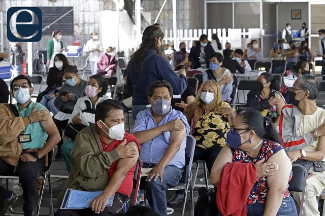 Pregunta Barbosa a la CNDH si vacunarse es derecho u obligación