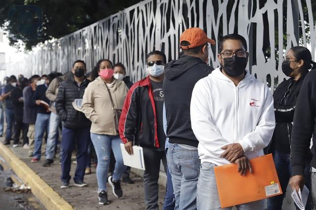 Aplicación de vacunas en Puebla capital sufre retraso