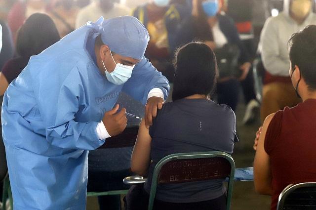 ¿Por qué hay personas vacunadas que han muerto por covid-19?