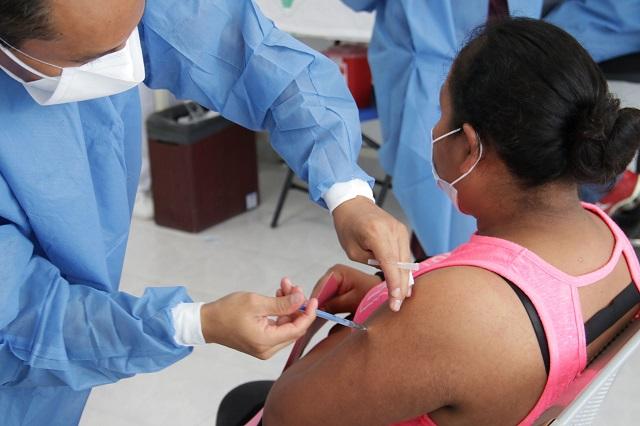 Fingieron embarazo para poder vacunarse en Zacatlán