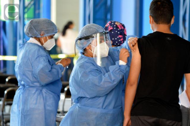 Hasta 2022 definirán si habrá tercera dosis anticovid en México