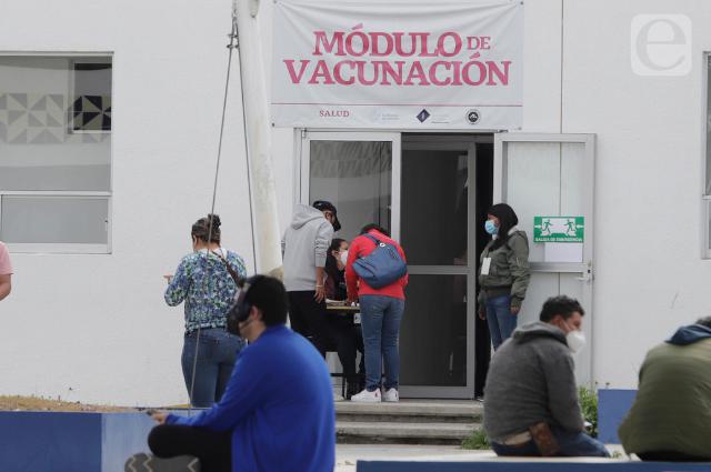 Inicia vacunación anticovid de menores con amparo en Puebla