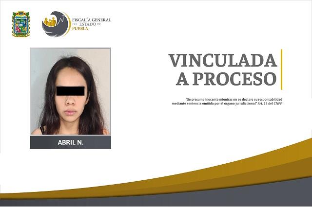 Con droga y una pistola detienen a mujer de 19 años en Huauchinango