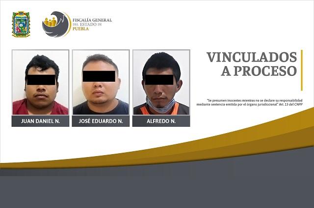 Llevaban armas, equipo táctico y un auto robado; están presos