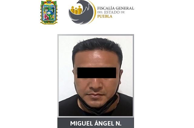 Preso en Puebla policía de Michoacán por violar a su hijastra